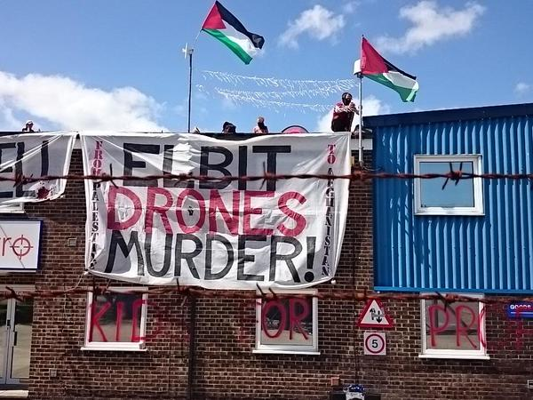 Elbit factory rooftop occupation