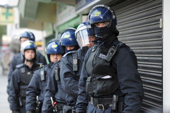 riot cops2
