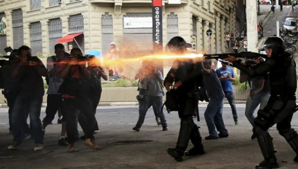 brazil-police-fire-tear-gas-at-peaceful-sao-paulo-protests