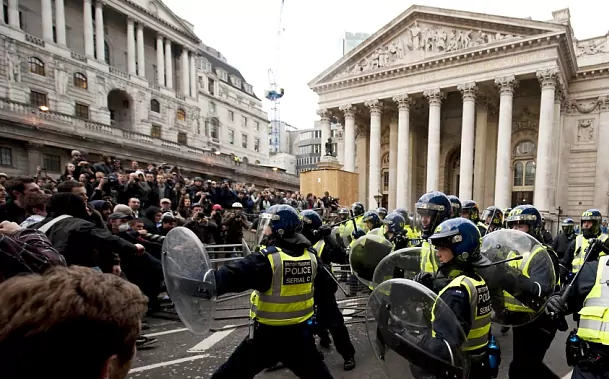 bank of england riot cops